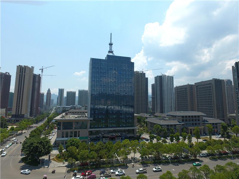 传媒大厦.jpg
